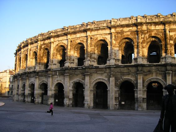 nimes1.JPG