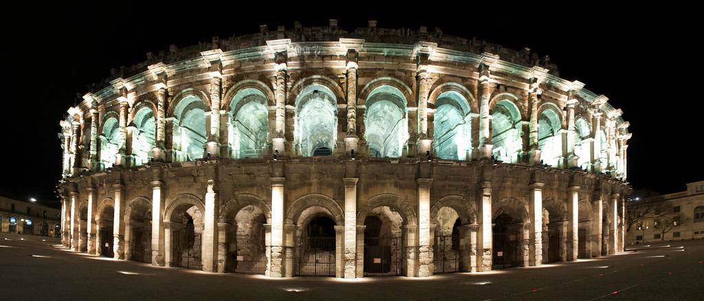 Magnífico escenario para uno de los festivales de música más célebres de Francia: las Arenas de Nimes. Foto de LoKan Sardari.