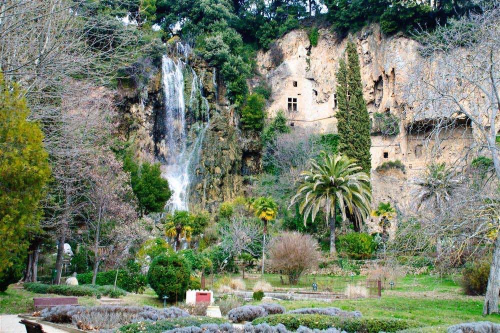 El jardín de Villecroze y las grutas