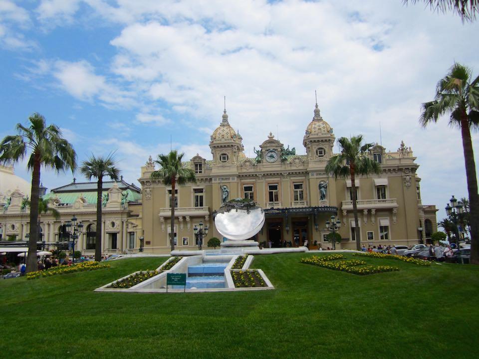 El famoso Casino de Montecarlo, construido por Charles Garnier, el arquitecto de la Opera Garnier de París.©M. Calvo.