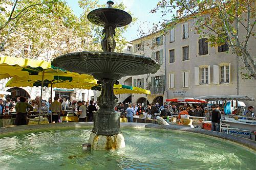 uzes-hoteles-francia