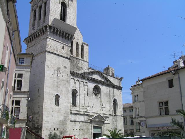 cathedrale_saint_castor.JPG