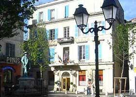 hotel-du-forum-arles