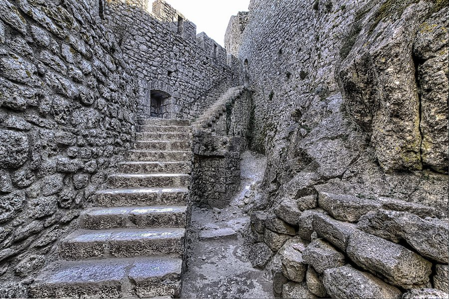 castillo-peyrepertuse-provenza