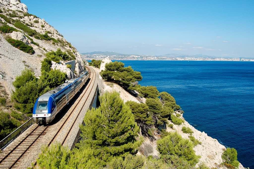 El Train de la Côte Bleue (Tren de la Costa Azul) va de Marsella a Miramas